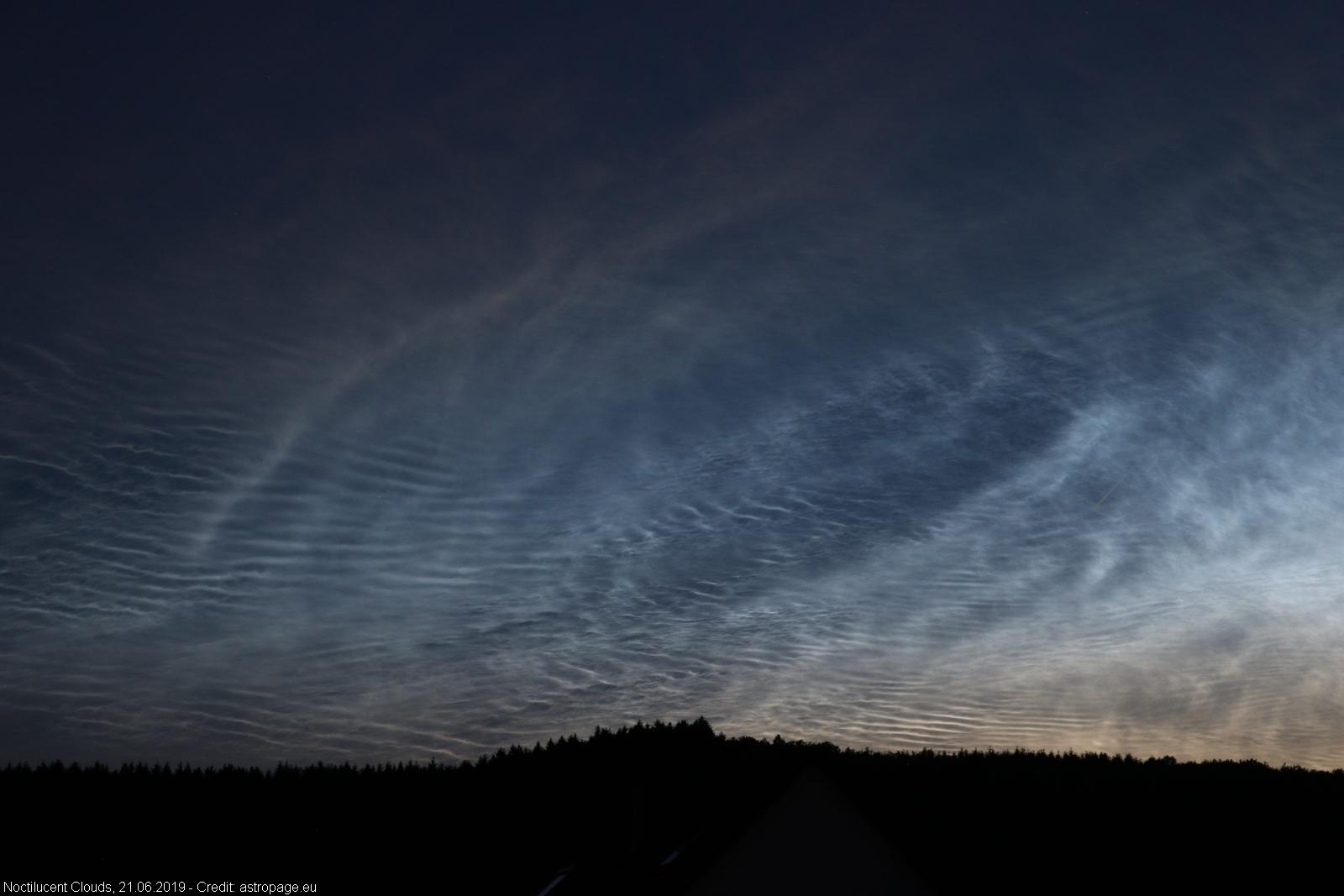 leuchtendenachtwolken21062019_12_lab