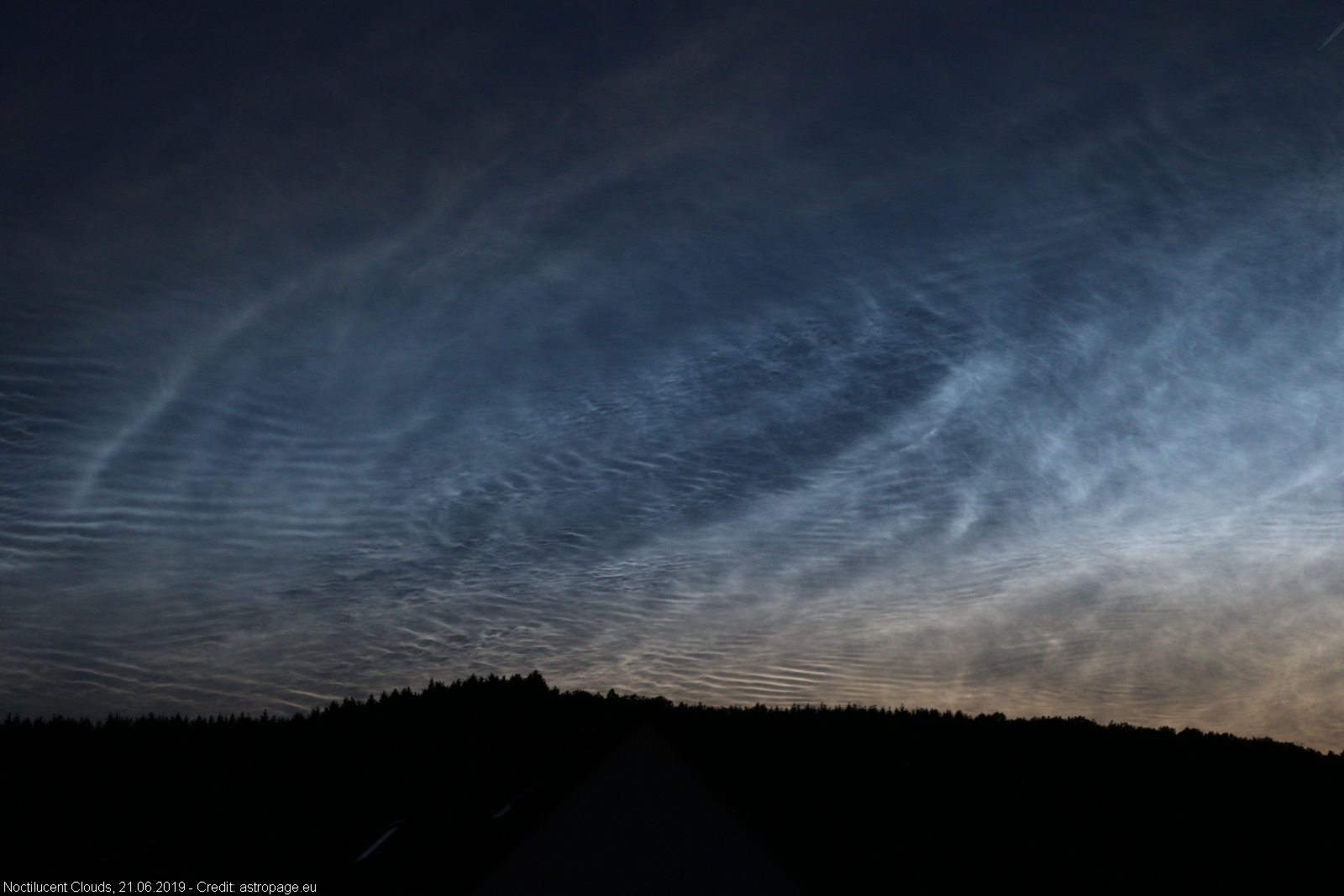 leuchtendenachtwolken21062019_5_lab
