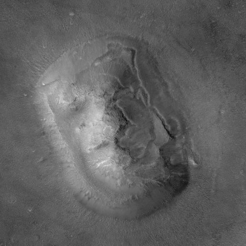 """Das """"Marsgesicht"""", aufgenommen 2001 vom Mars Global Surveyor (Courtesy of NASA / JPL / MSSS)"""