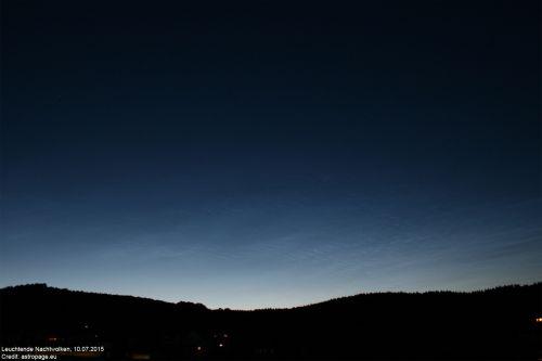 Leuchtende Nachtwolken über Nordrhein-Westfalen, 10.07.2015 (astropage.eu)
