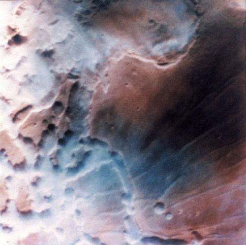 Nebel im Noctis Labyrinthis (Courtesy of NASA / LPI)