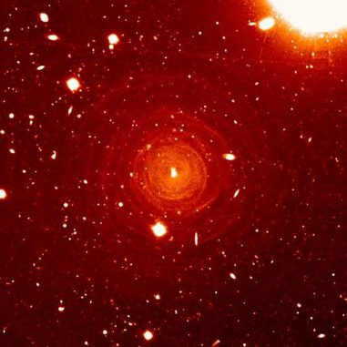 Der veränderliche Stern CW Leo. (Izan Leao; the Very Large Telescope)
