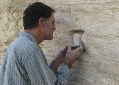 Prof. Shmuel Marco bei der Arbeit. (AFTAU)