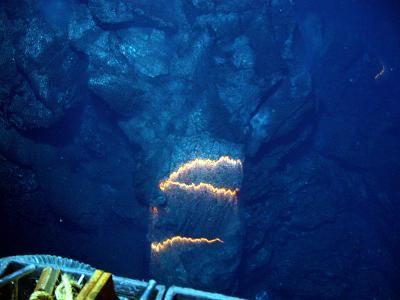 Vulkanische Aktivität am Meeresboden. (NOAA/National Science Foundation)
