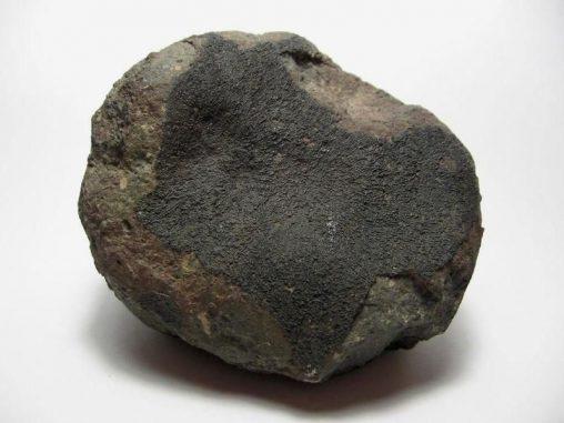 Ein Teil des Allende Meteoriten, ein kohlenstoffreicher Chondrit (H. Raab / Wikimedia Commons / CC BY-SA 3.0)