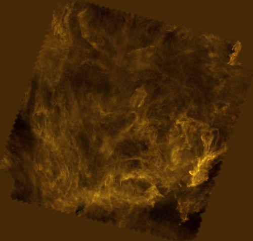 Netzwerk aus Filamenten in der Polaris-Region (ESA/Herschel/SPIRE/Ph. André (CEA Saclay) for the Gould Belt survey Key Programme Consortium and A. Abergel (IAS Orsay) for the Evolution of Interstellar Dust Key Programme Consortium)