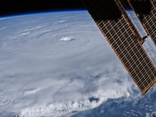 Hurrikan Earl, aufgenommen von ISS Astronaut Douglas Wheelock (NASA)