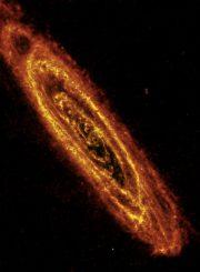 Die Andromeda Galaxie, aufgenommen vom Weltraumteleskop Herschel (ESA / Herschel / PACS / SPIRE / J. Fritz, U. Gent)