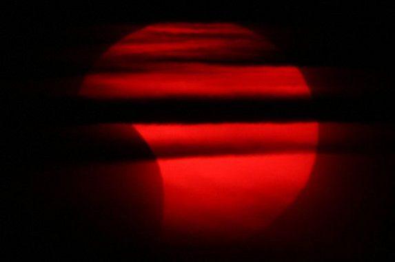 Partielle Sonnenfinsternis vom 1. Juni 2011 / Bodø, Norwegen (astro.viten.no/Inge Birkeli)