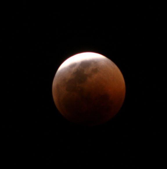 Totale Mondfinsternis vom 15. Juni 2011 / Johannesburg, Südafrika (Derek Keats)