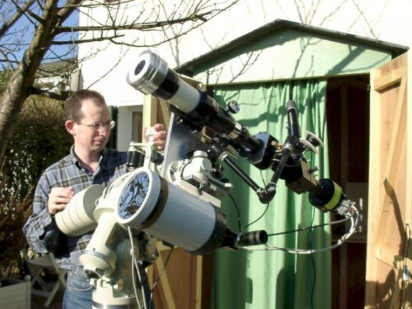 Thierry Legault und eines seiner Teleskope (Thierry Legault)