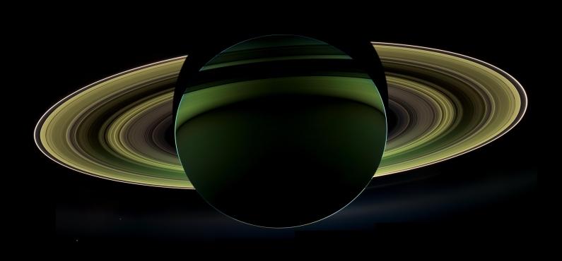 Farbveränderte Ansicht von Saturn und seinen Ringen (NASA / JPL-Caltech / Space Science Institute)