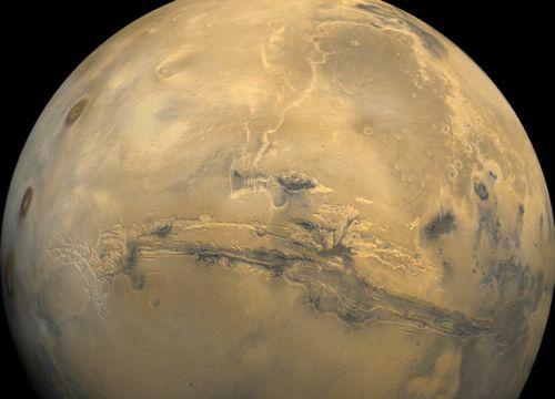 Valles Marineris (Courtesy of NASA / JPL / USGS)