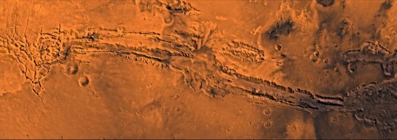 Großaufnahme des Valles Marineris (Courtesy of NASA / JPL / USGS)