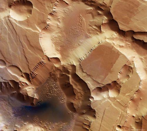 Ausschnitt von Noctis Labyrinthus (Courtesy of ESA / DLR / FU Berlin (G.Neukum))