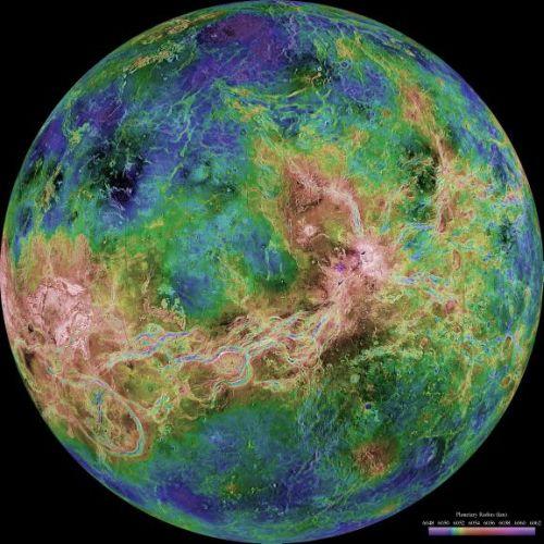 Venus - zentriert auf 180 Grad östlicher Länge (Courtesy of NASA / JPL / USGS)
