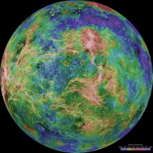 Venus - zentriert auf 270 Grad östlicher Länge (Courtesy of NASA / JPL / USGS)
