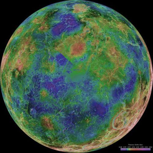 Venus - zentriert auf den Südpol (Courtesy of NASA / JPL / USGS)