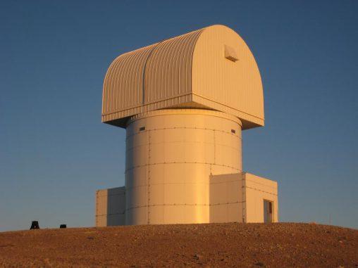 Ein Bild des Gebäudes, in dem sich das neue 2,3-Meter Aristarchos-Teleskop des Helmos Observatory befindet. (P. Boumis, National Observatory of Athens)