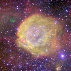 Der Nebel AB7 in der Kleinen Magellanschen Wolke, aufgenommen vom Very Large Telescope (VLT) der Europäischen Südsternwarte in Chile. (ESO)