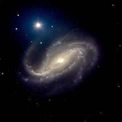 Die Balkenspiralgalaxie NGC 613, aufgenommen vom Very Large Array (VLT) der Europäischen Südsternwarte in Chile. (ESO / P.D. Barthel)
