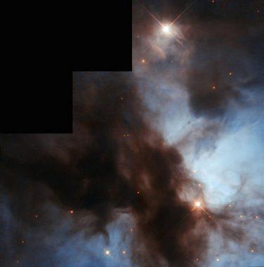 Der Nördliche Trifidnebel NGC 1579, aufgenommen vom Weltraumteleskop Hubble. (ESA / Hubble & NASA; Acknowledgement: Bruno Conti)