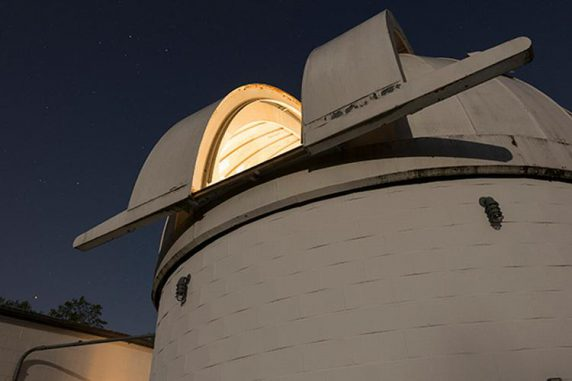 Das Befehlszentrum für das Whole Earth Telescope am Mount Cuba Astronomical Observatory in Greenville, Delaware. (Evan Krape / University of Delaware)