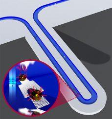 Diese Grafik zeigt einen Suspended Nanochannel Resonator (SNR), der die Masse einzelner Nanoteilchen mit der Genauigkeit von einem Attogramm messen kann. Das kleine Bild zeigt den Flüssigkeitskanal, während ein Goldkügelchen mit DNA-Strukturen den Resonator passiert. (Image courtesy of Selim Olcum and Nate Cermak)
