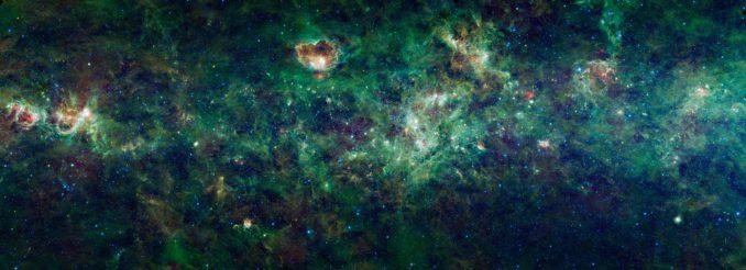 Infrarotaufnahme der großen Region um die Sternbilder Cassiopeia und Cepheus. Das Bild wurde mit dem Wide-field Infrared Survey Explorer (WISE) gemacht. (NASA / JPL-Caltech / UCLA)