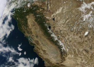 Satellitenaufnahme der U.S. Sierra Nevada in Kalifornien, USA. (NASA)