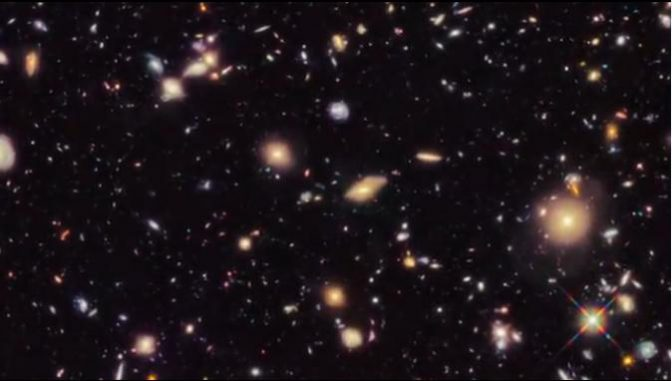 """Screenshot aus dem neuesten Video der Reihe """"Behind the Webb"""". (STScI / Mary Estacion)"""