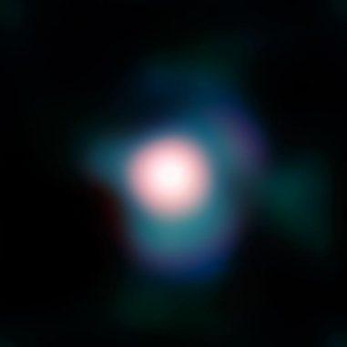 Der Rote Überriese Beteigeuze im Sternbild Orion, aufgenommen vom Very Large Telescope der Europäischen Südsternwarte in Chile. Bei Thorne-Zytkow-Objekten befindet sich im Kern eines solchen Sterns ein zuvor verschluckter Neutronenstern. (ESO and P. Kervella)