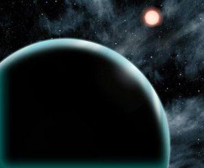 Diese künstlerische Darstellung zeigt den uranusgroßen Exoplaneten Kepler-421b, der alle 704 Tage einen orangefarbenen Stern des Spektraltyps K umkreist. Der Exoplanet befindet sich jenseits der Schneegrenze und könnte sich dort gebildet haben, anstatt aus einer anderen Umlaufbahn migriert zu sein. (David A. Aguilar (CfA))