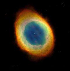 Hubble-Aufnahme des berühmten Ringnebels im Sternbild Leier. (NASA / JPL-Caltech / ESA, the Hubble Heritage Team (STScI / AURA))