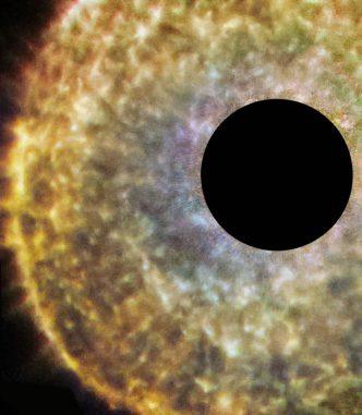 Auf dieser Hubble-Aufnahme ist die Umgebung des Roten Riesen R Sculptoris zu sehen. (ESA / Hubble & NASA)