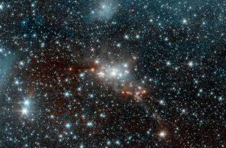 Astronomen machen sich maschinelles Lernen zunutze, das ihnen hilft, die Eigenschaften einer großer Anzahl von Sternen zu verstehen. Auf diesem Bild einer Sternentstehungsregion im Sternbild Schlange sind zahlreiche Sterne mit den verschiedensten Eigenschaften wie Größe oder Temperatur zu sehen. (NASA / JPL-Caltech)
