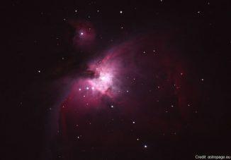 Der Orionnebel im Sternbild Orion. Dieses Sternbild gehört noch nicht zu den von den Änderungen betroffenen Sternbildern. (astropage.eu)