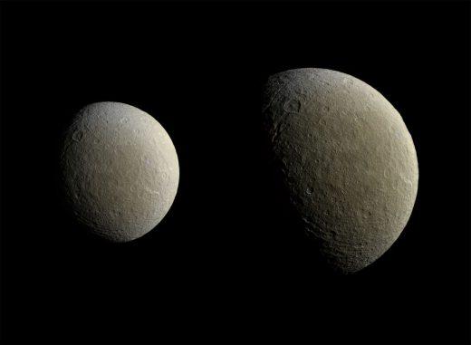 Der Saturnmond Rhea, aufgenommen von der NASA-Raumsonde Cassini am 9. Februar 2015. (NASA / JPL-Caltech / Space Science Institute)