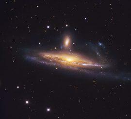 Die wechselwirkenden Galaxien NGC 1531 (oben) und NGC 1532 (unten), aufgenommen vom Danish 1,54-Meter-Teleskop der Europäischen Südsternwarte in Chile. (ESO / IDA / Danish 1.5 m / R.Gendler and J.-E. Ovaldsen)