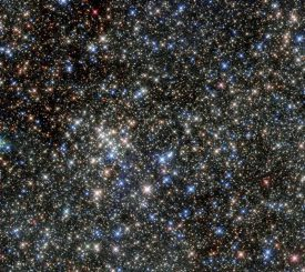 Der Quintuplet-Sternhaufen, aufgenommen vom Weltraumteleskop Hubble in infraroten Wellenlängen. (ESA / Hubble & NASA)