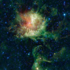 Diese Aufnahme der Sternentstehungsregion NGC 281 im Sternbild Cassiopeia basiert auf Beobachtungsdaten des Wide-field Infrared Survey Explorer (WISE). (NASA / JPL-Caltech / UCLA)