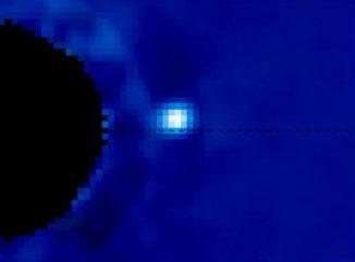 Der Exoplanet Beta Pictoris b. Sein Zentralstern Beta Pictoris ist auf diesem Bild ausgeblendet, weil er den Exoplaneten sonst überstrahlen würde. (M. Millar-Blanchaer, University of Toronto; R. Marchis (SETI Institute))