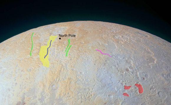 Die Nordpolarregion Plutos mit einigen markierten topografischen Strukturen. (NASA / JHUAPL / SwRI)