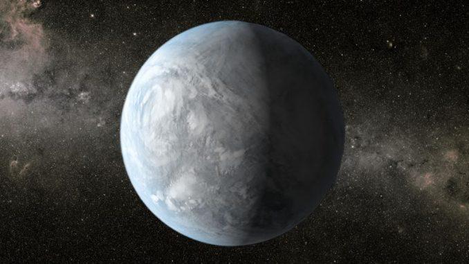Künstlerische Darstellung des Exoplaneten Kepler 62e, der rund 1.200 Lichtjahre entfernt in Richtung des Sternbildes Leier (Lyra) liegt. (NASA)
