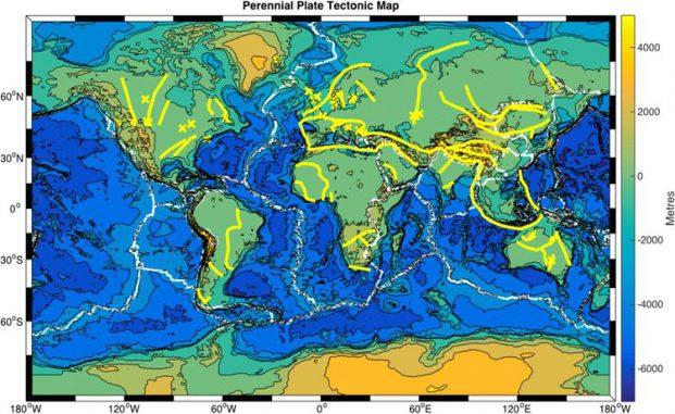 Diese Karte zeigt die aktuellen Plattengrenzen (weiße Linien) und verborgene alte Plattengrenzen (gelbe Linien), die die Plattentektonik heute noch beeinflussen könnten. (Image: Russell Pysklywec, Philip Heron, Randell Stephenson)