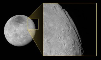 Das Canyonsystem Argo Chasma auf dem Plutomond Charon. (NASA / JHUAPL / SwRI)