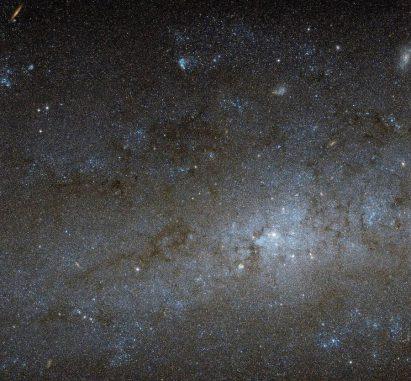 NGC 247, aufgenommen vom Weltraumteleskop Hubble. (NASA / ESA)