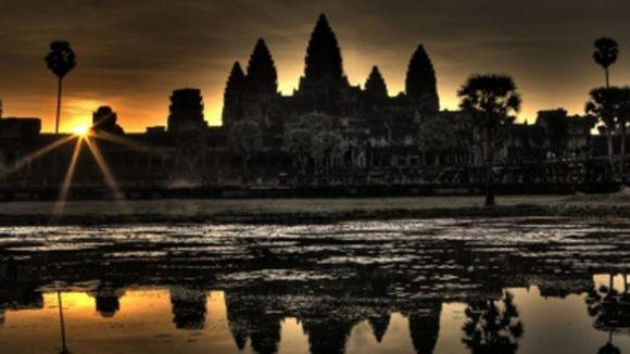 Sonnenaufgang über Angkor Wat (J. Frasse)