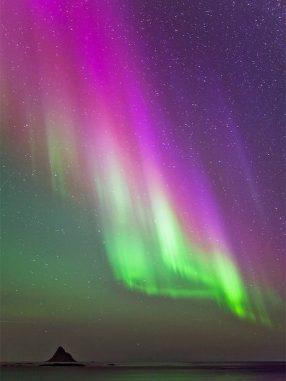 Nordlicht über Andøya, Norwegen (Vegard Laupstad)