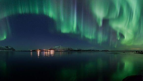 Nordlicht über Andøya, Norwegen (Roy Samuelsen)